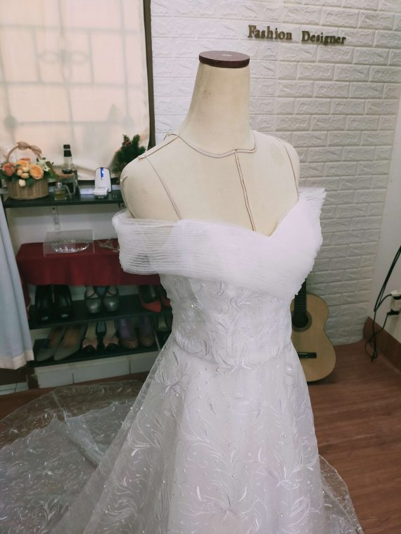 simple wedding gown 2020 ivone sulistia